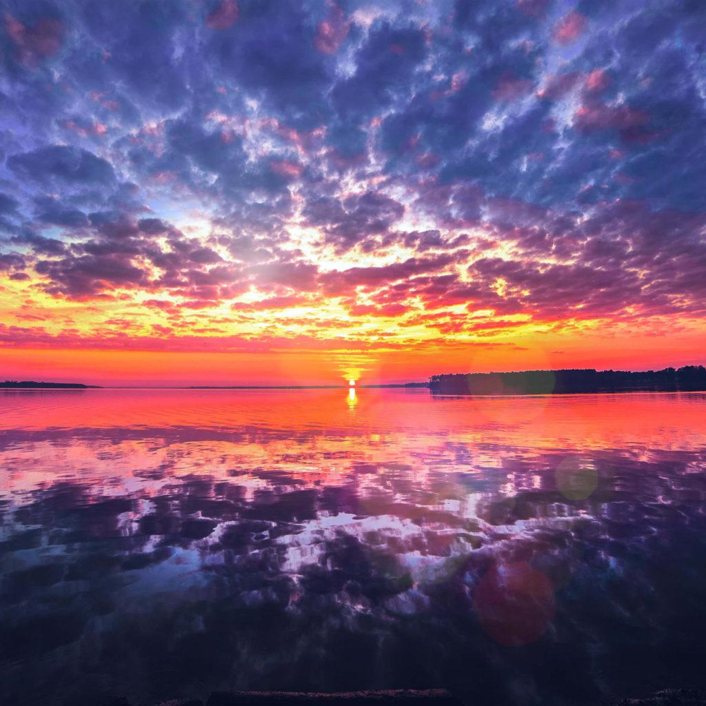 Sunrise wallpaper for iPhone idownloadblog ocean