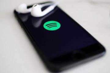 pedir siri spotify predeterminado iphone